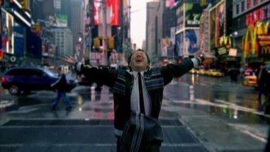 In 1212, Hiro becomes gay Broadway sensation.